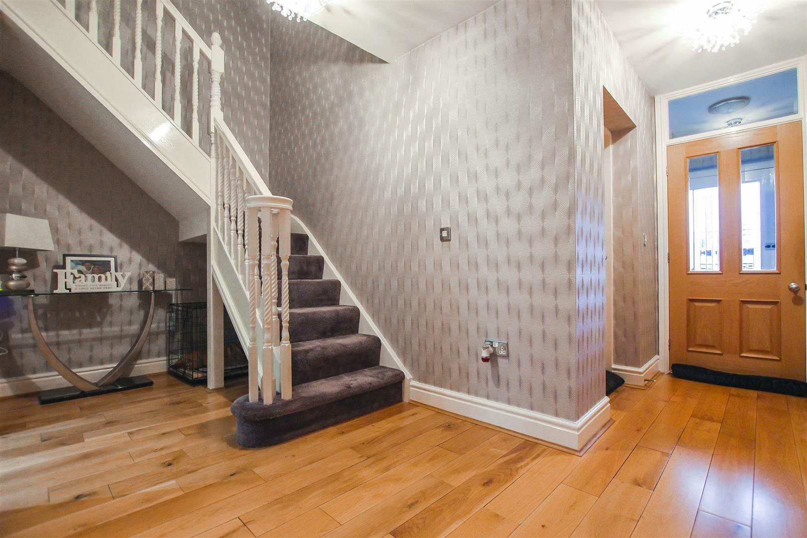 4 Bedroom Detached House For Sale - Hallway
